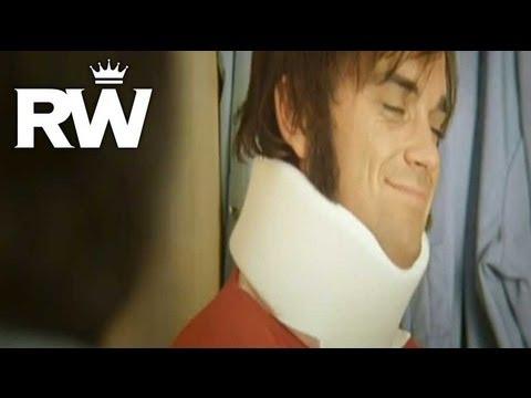 Robbie Williams | 'Supreme' | Strumming On Set