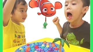 Princess ToysReview Game Night LETS GO FISHING Disney Doc Mcstuffin Egg Surprise