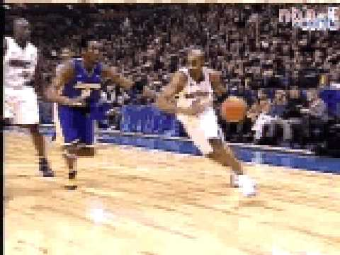 vince carter drives past kobe for the 360 jam