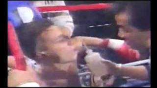 VAN DAMME is coaching a Muay Thai fighter during World Tournament
