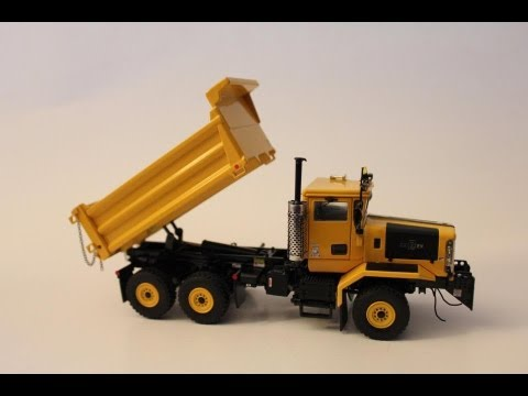 1 50 Sword Oshkosh P Series 6x6 Plow Truck Review Youtube