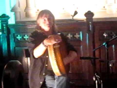 Johnny Ringo McDonagh explains the bodrán - Steeple Sessions