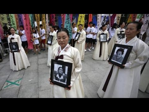 """A Travesty"": Is Japan's Apology to Korean ""Comfort Women"" an Attempt to Silence Them?"