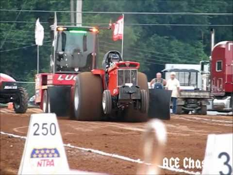 Tractor Pull Loses Tire