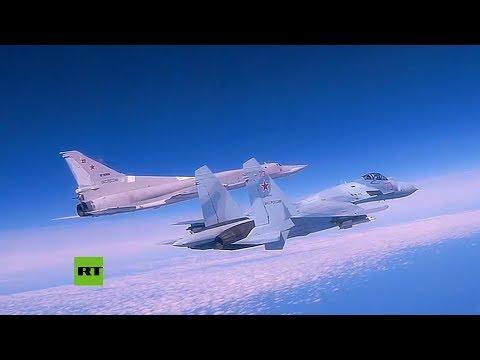 Bombarderos Rusos Tu-22M3 Realizan Maniobras Sobre El Mar Negro