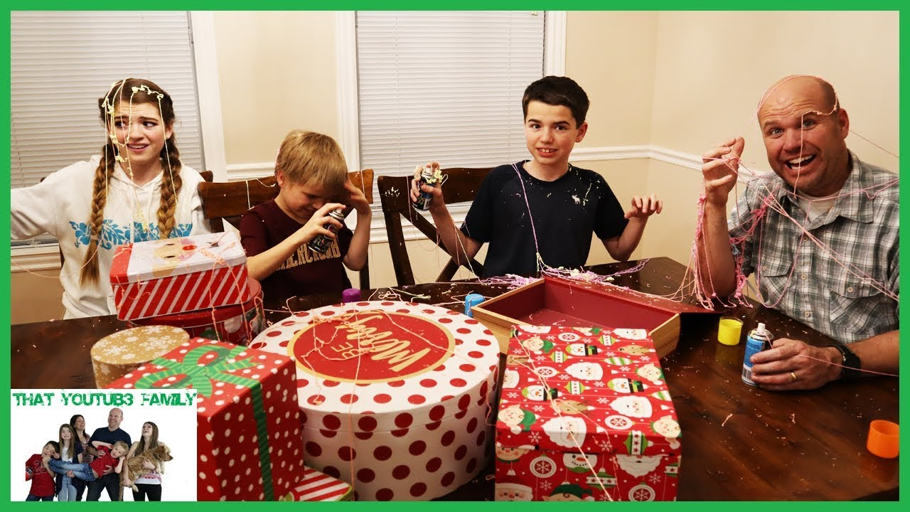 last-to-leave-the-table-wins-mystery-prize-that-youtub3-family-i-family-channel