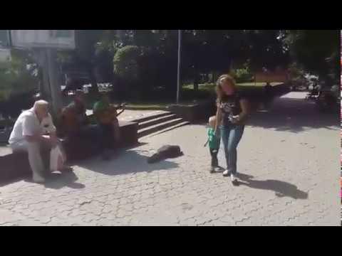Новини Тернополя 20 хвилин: Вуличні музиканти грають пісні Скрябіна