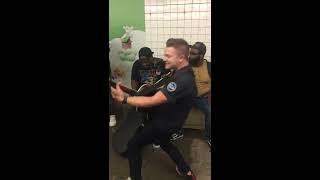 Hunter Hayes - Wild Blue (Subway Pop Up Show) thumbnail