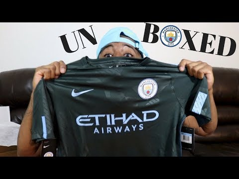 MANCHESTER CITY 2017/18 THIRD KIT UNBOXED