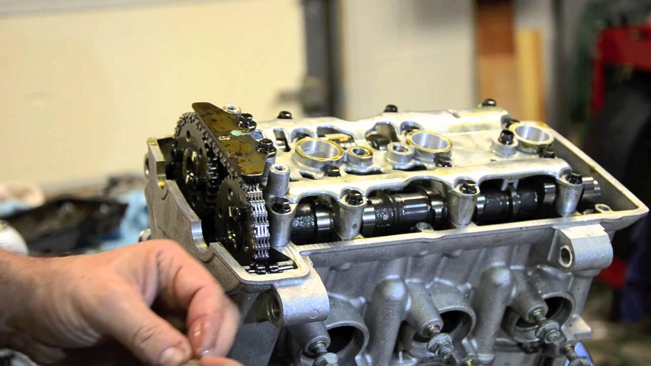 Triumph Daytonas 675 - Engine Disassembly - Video5