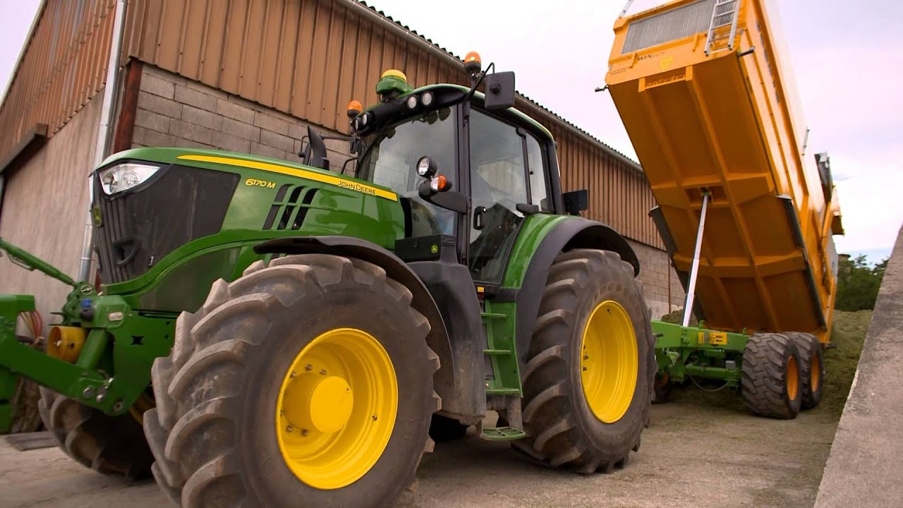 Traktor John Deere 6M - YouTube