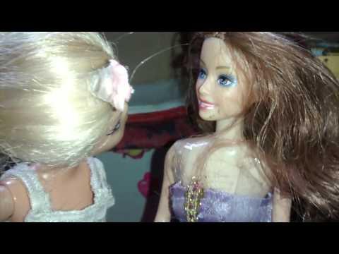 La rosa de guadalupe versión Barbie la niña creida