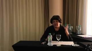 CONFERENCIA DE LA PROFESORA IRMA ROSA AVILA EN LA  UNIVERSIDAD AMERICANA