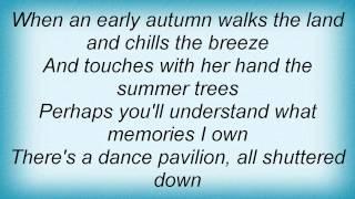 Play Early Autumn