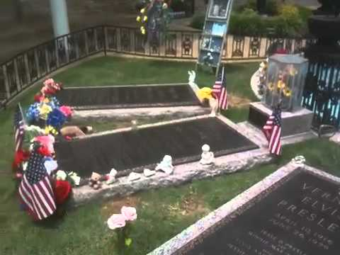 Grave of Elvis Presley at Graceland