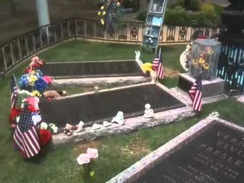 Grave Of Elvis Presley At Graceland