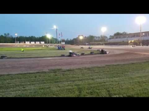 THE MIGHTY WNEK!!! Ransomville speedway feature #2 6/8/17