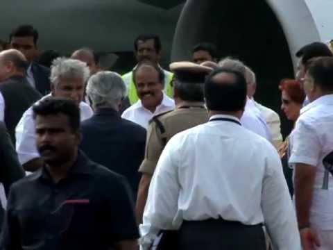 Pravasi Bharathiya Divas - Indian Prime Minister Shri.Manmohan Singh leaves the Kochi Naval airport