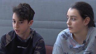 Asielkinderen Lily en Howick weer in rechtszaal: 'We worden gek van de onzekerheid' - RTL NIEUWS