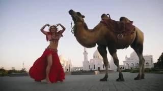 رقص شرقي . ريسيدا Ganiullina Zhanym.فعلت ذلك في المسجد.She did it near the mosque
