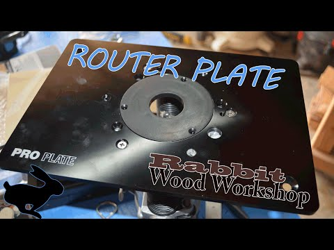 Router plate install w/ flush trim bit