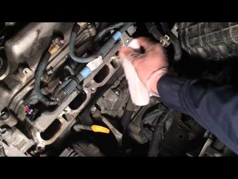 Фото к видео: How to Change a PCV Valve - Toyota 2ZR-FE 1.8L