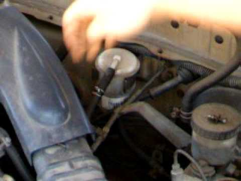 NissanSunny.net How to change fuel filter, stubborn fuel ...