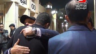 «هنيدي وأشرف زكي» في عزاء السينارست عبدالله حسن