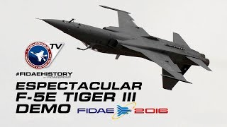 Espectacular demo F-5E Tiger III Plus Fach en FIDAE Airshow 2016