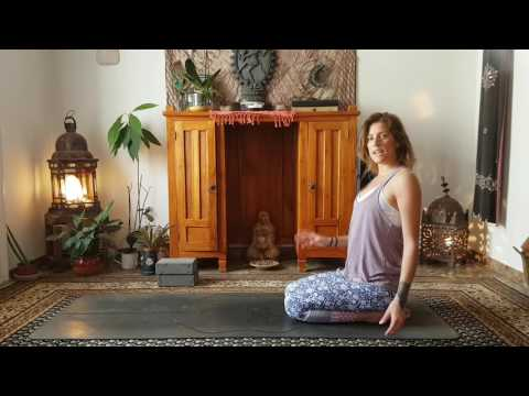 Level 1 Yoga Class: Opening up the body with breath & movement
