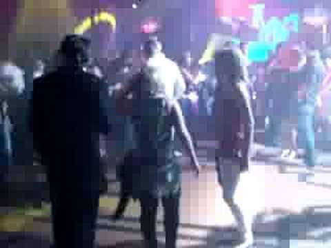 Потанцевать в Фешене не с кем даже