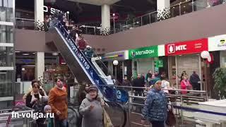 Эвакуация ТЦ «Лазурный» в Энгельсе