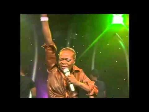 Brenda fassie - Ntsware (Live on selimathunzi)
