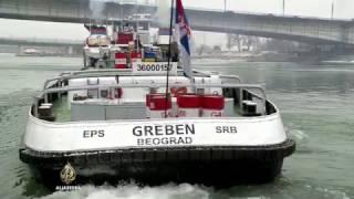 Ledolomci se bore s čepovima na Dunavu