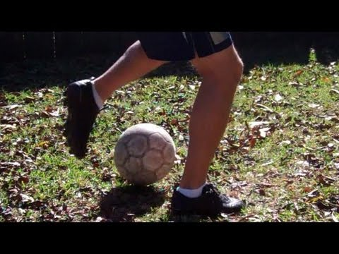 How to do a Maradona in Soccer