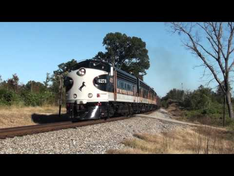 NS F9A #4271 leads 951 at Lynn, Alabama
