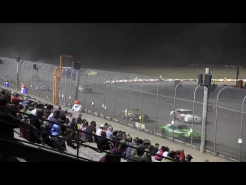 Ohsweken Speedway Thunder Stock July 22, 2016 - dirt track racing video image