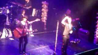 ENRIQU BUNBURY TOUR USA NYC MAYO 4 Robinson  y Viento A Favor.3gp