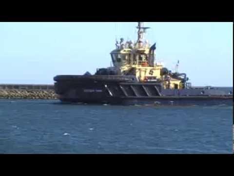 Svitser Thor sejler ind i Frederikshavn havn