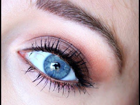 Maquillage pour les yeux bleus doovi - Make up yeux bleu ...