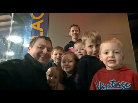 Toys R Us with 9 kids & Finding Dory @ Village Cinemas