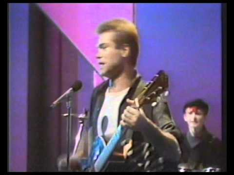 Red Box - 'Lean on Me' live on Wogan,1985