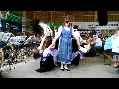 Letzter Auftritt der Kindervolkstanzgruppe Waldburg/Hirschbach