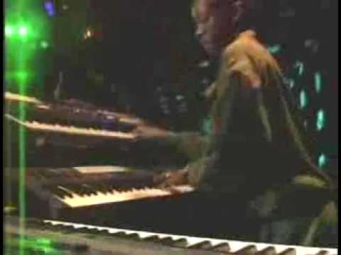 lucky dube don't cry live