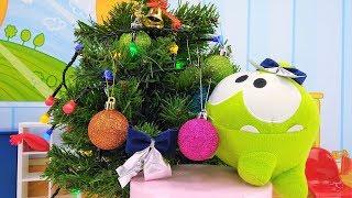 Новогоднее видео для детей -   Ам Ням наряжает елку