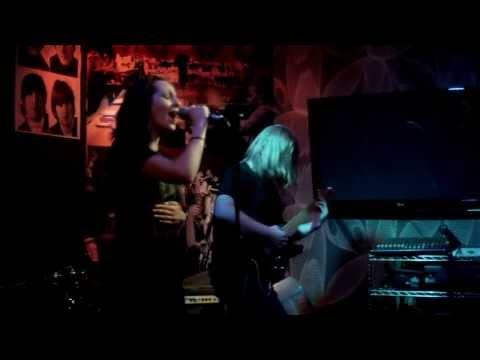 Mrazevi Irina and Madman Butterfly Live @The Pub Sarajevo