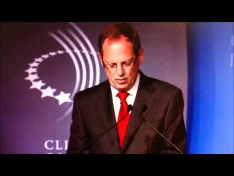 WakaWaka New Commitment at Clinton Global Initiative (2011) | Solar LED Light