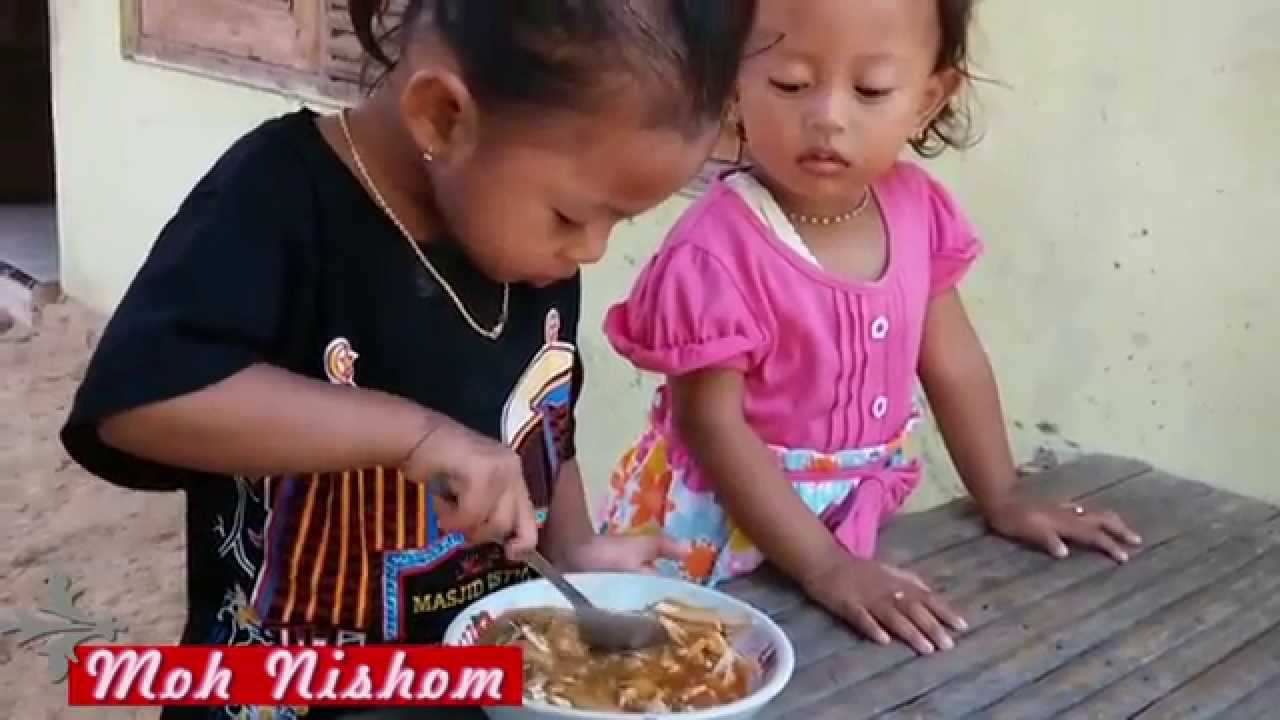 Anak Anak Lucu Makan Bakso