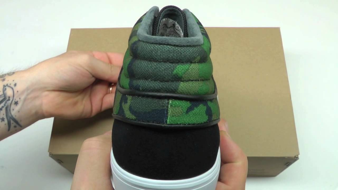 24d2615218 MOVESHOP NIKE SB JANOSKI MID 443095 033 BLACK CAMO - YouTube