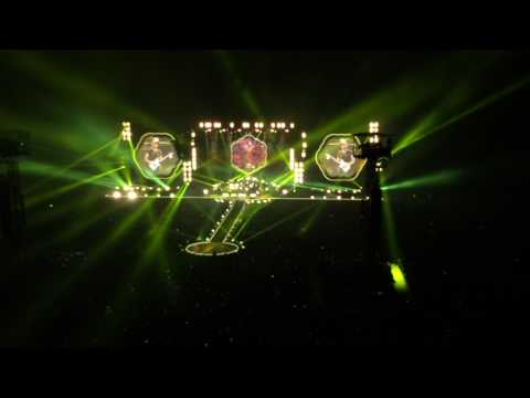Yellow - Coldplay Live in Bangkok 2017(At Rajamangala National Stadium)